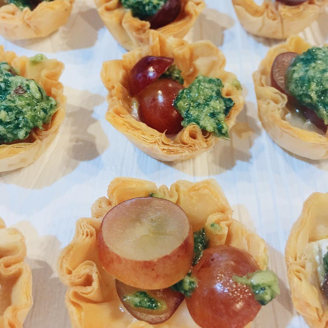 Brie and Grape Phyllo cups with Mac Nut Pesto